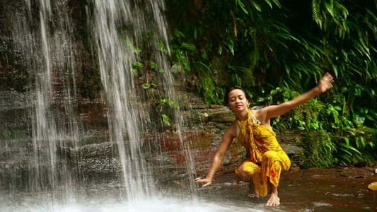 Cover Image for Sexy Dancer On Waterfall In Borneo