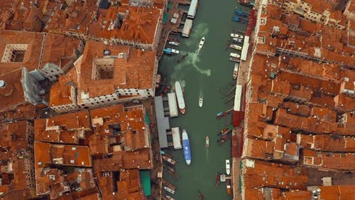 famous Canal Grande and famous Rialto Bridge