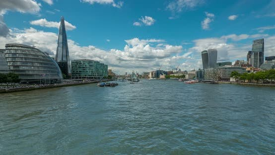 Thumbnail for Timelapse of River Thames flowing in London