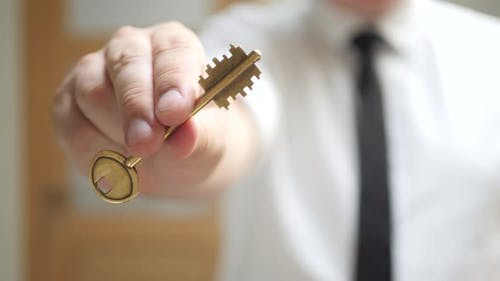 Real Estate Agent Gives Keys to Apartment Owner