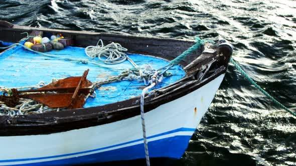 Thumbnail for Bateau de pêche et la mer