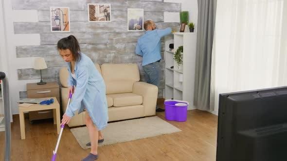 Keeing das Haus sauber