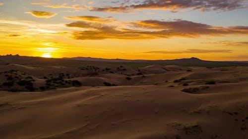 Schöne Sanddünen in der Sahara Wüste. Sonnenaufgang Hyperlapse