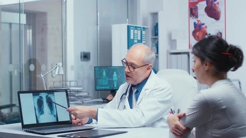 Discussing Lungs X Ray Result with Patient