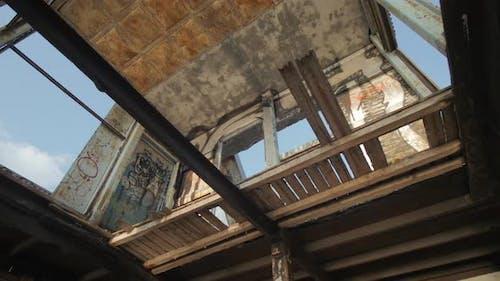 Ein ruiniertes Gebäude