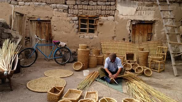 Cover Image for Bamboo Basket Craftsman