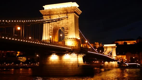 Cover Image for The Széchenyi Chain Bridge at night