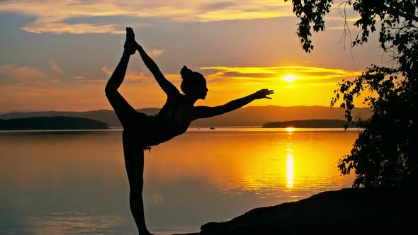 Cover Image for Sunset Yoga Pose