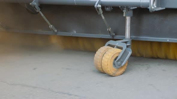 Thumbnail for Ausrüstung für die Reinigung von Straßen und Straßenbelägen.