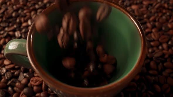 Details Shooting Seed in Mug Coffee