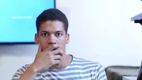 Porträt von schockiert schwarzen Mann