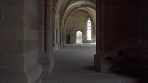 Galerie eines alten Klosters