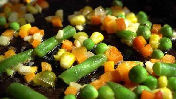 Cover Image for Macro Frying Vegetables 2