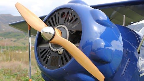 Engine Start Up Airplane Bucker