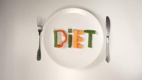 Thumbnail for Wort Diät von einem Gemüse auf einem weißen Gericht