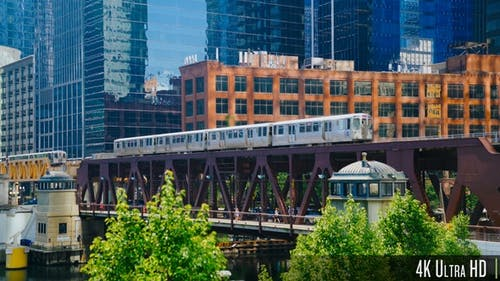 4K Moving Commuter el Train Above Lake Street Crossing the Chicago River