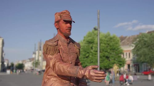 Bronze lebende Statue