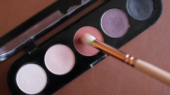 Eyeshadow Palette with Makeup Brush