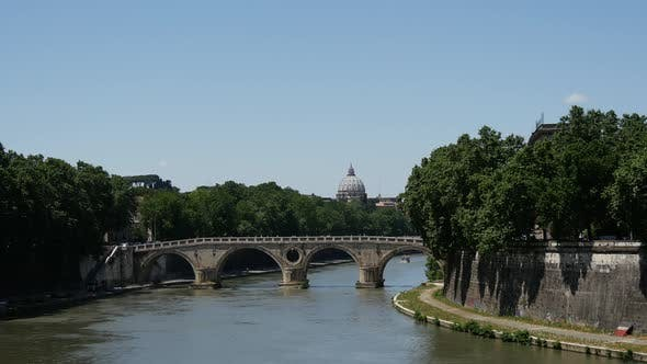 Cover Image for Ponte Sisto and the Fiume Tevere river