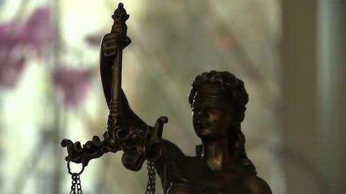 Gerechtigkeit. Femida und Recht
