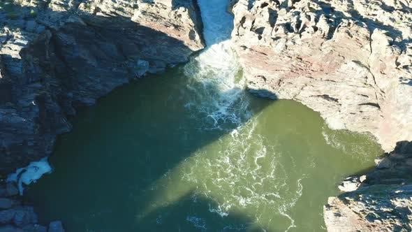 Thumbnail for Luftaufnahme des Pulo do Lobo Wasserfalls in der Nähe von Mertola