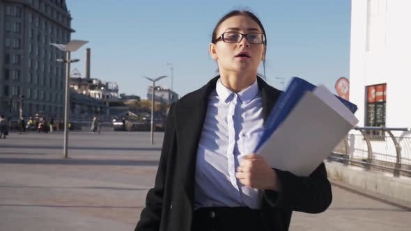 Young Business Woman Wear Eyeglasses in Hurry Running To a Meeting, Delay Hurrying Work Meeting