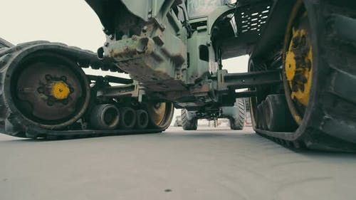 Tractor Wheels and Transmission Operation