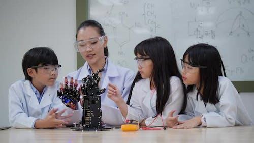 Learning robotics arm