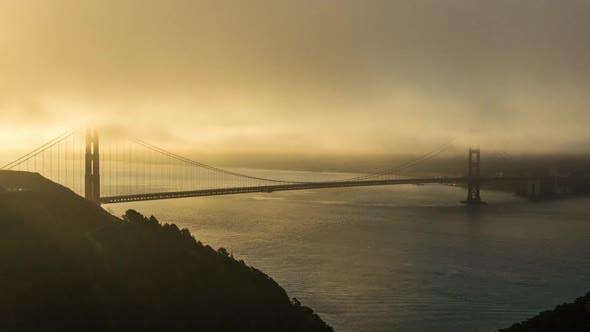 Cover Image for Golden Gate in the Fog