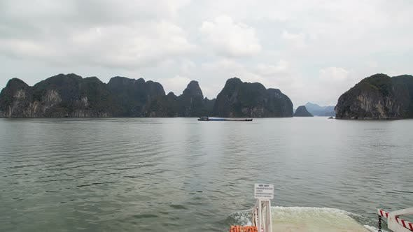 Thumbnail for Ferry To Cat Ba Island, Ha Long Bay, Vietnam Timelapse