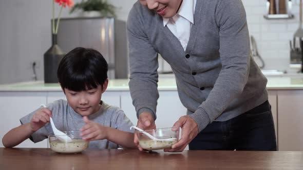 Thumbnail for Family eating breakfast