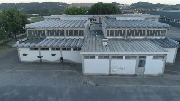 School with Dangerous Asbestos Roof