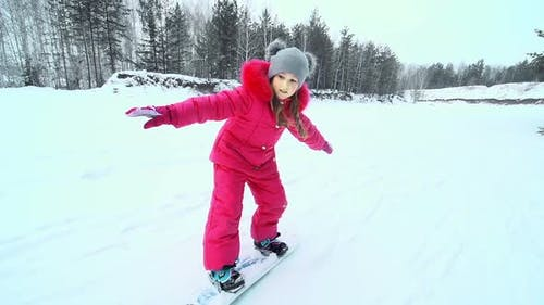 Keeping Balance on Snowskate