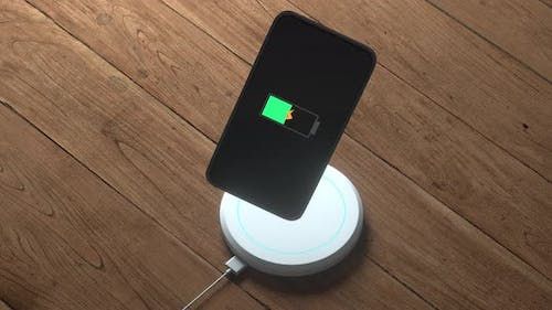 The progress of wireless charging the mobile.