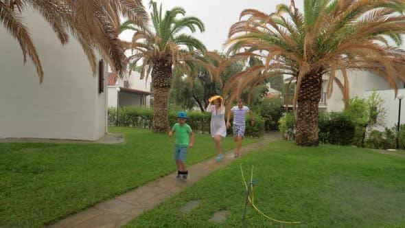 Rain making them run back home