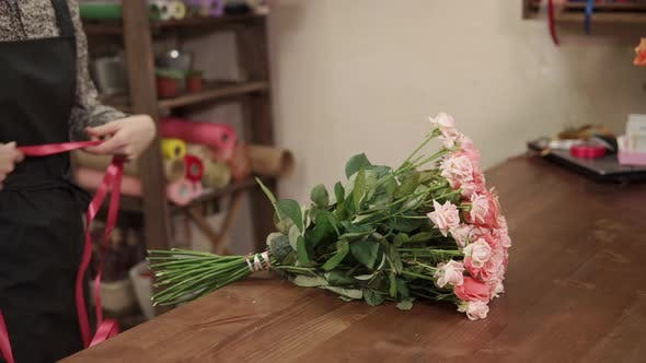 Thumbnail for Amazing Bouquet of Roses on a Table