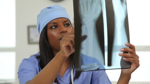Thumbnail for Surgeon reviews x-ray