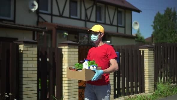 Livraison Man Boîte de transport avec nourriture végétale Spbd