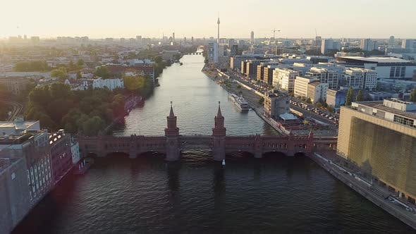 Oberbaum Bridge and cityscape, Berlin, Germany