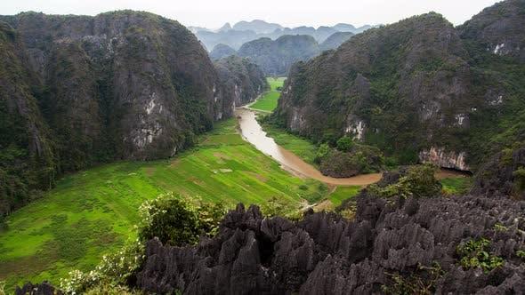 Thumbnail for Mua Cave in Ninh Binh, Vietnam Timelapse