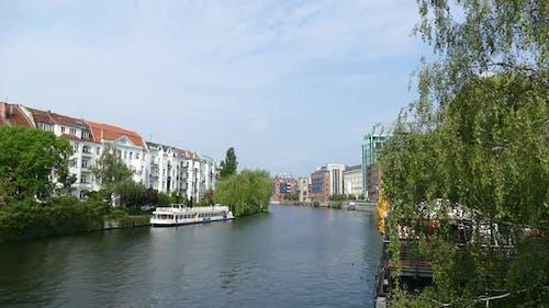 Berlin City - Spree River - Maobit Bridge