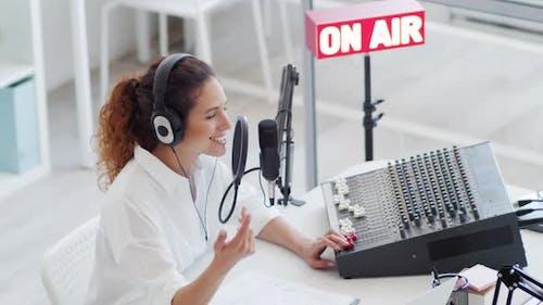 Happy DJ Broadcasting on Radio