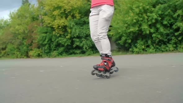 Thumbnail for Spinning on Rollerblades