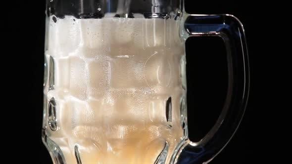 Thumbnail for Bier Flow in einem Glas