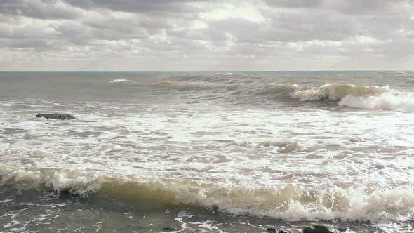 Thumbnail for grau-blaues Meer nach einem Sturm