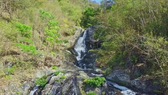 Thumbnail for Flycam Removes From Nice Waterfall Start in Highland
