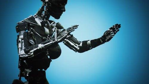 Футуристический человекоподобный робот-женщина в концепции будущего