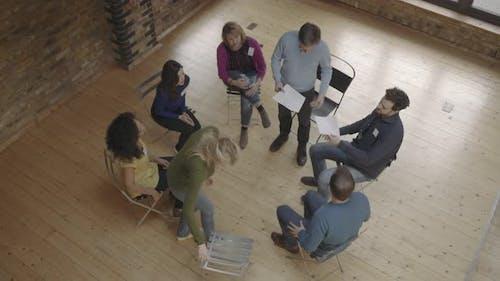Workshop für Gruppentherapie, Gruppensitzung im Kreis