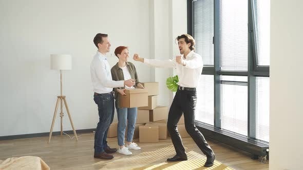 Estate Sales Agent Dance After Finish Rental Or Buying Contract Have Fun Happy To Get Contract