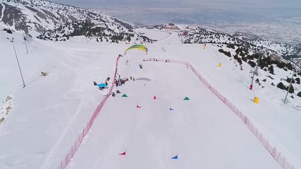 Parachute Skiing